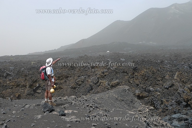 Fogo : Chã das Caldeira Monte Beco : view at the new crater 2ß14 : Landscape Mountain