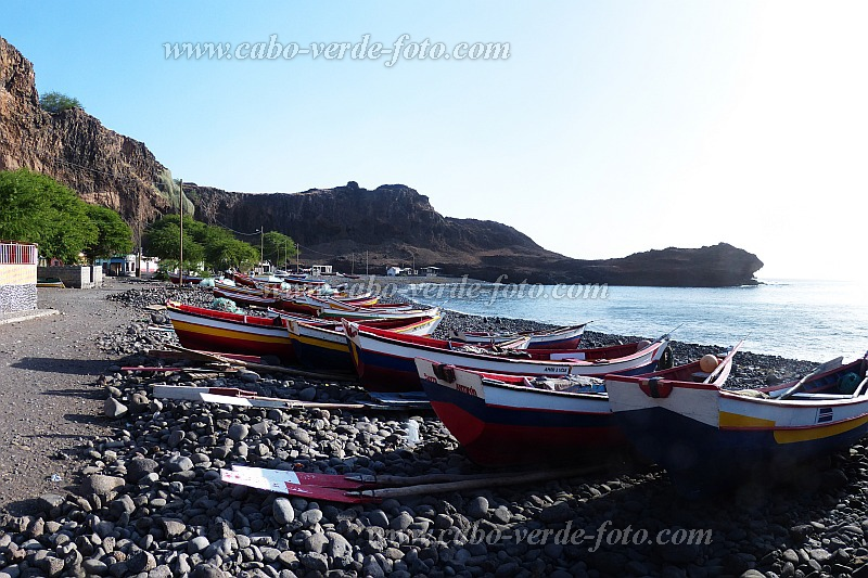 Santiago : Rincao : fishing boats at the pebble beach : Landscape Sea