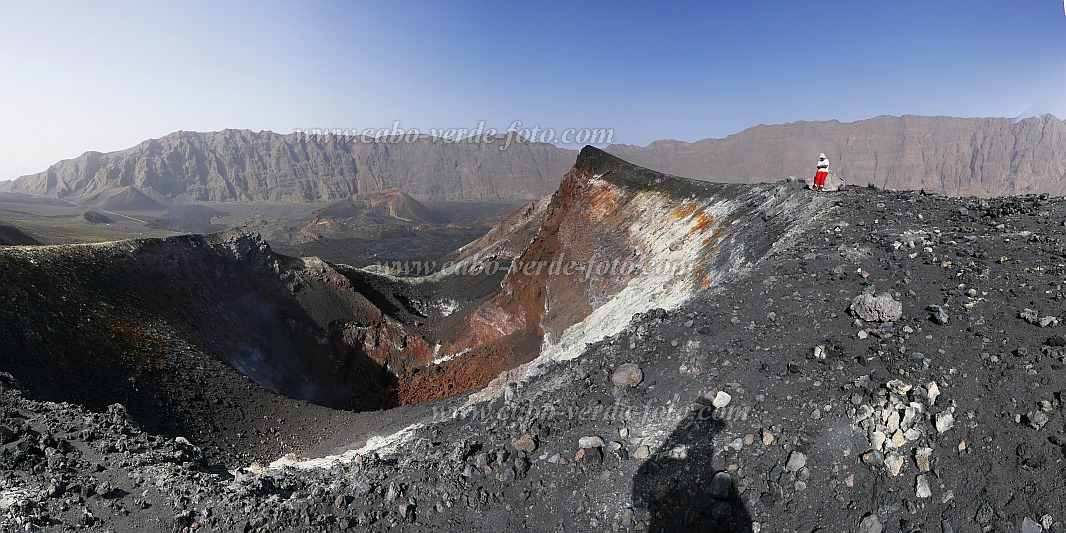 Fogo : Pico Pequeno : at crater 2014 : Landscape Mountain
