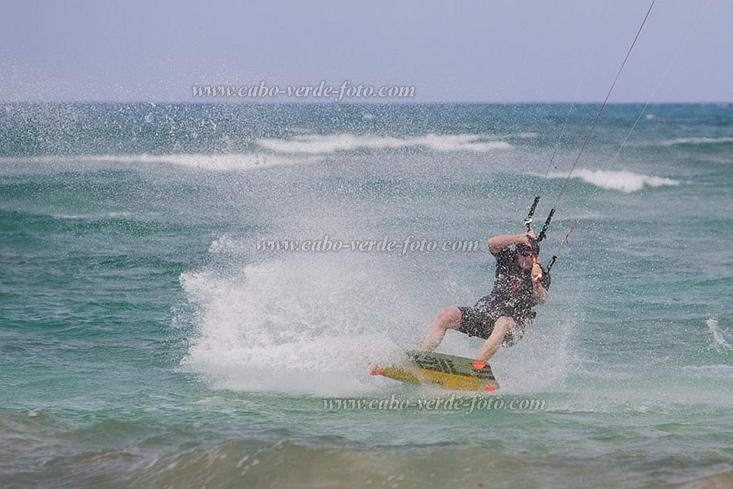 Sal : Santa Maria : kite surfing : People Recreation